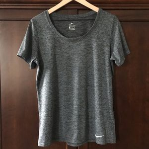 Nike DRI-FIT Women's Large Short Sleeve Shirt